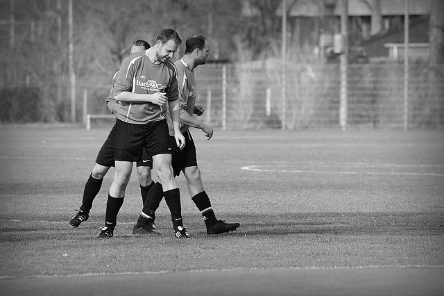 tři fotbalisti